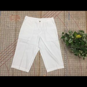 Colombia knee length short size 6/8